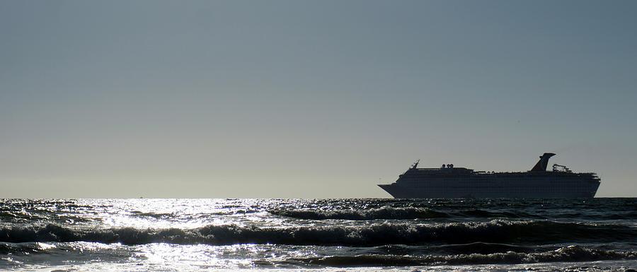 Cruiser Photograph - Crusing Seas by Carlos Gomez
