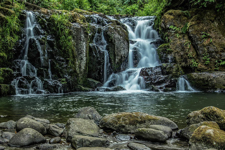 Waterfalls Photograph - Crystal Pool Falls by Joe Hudspeth