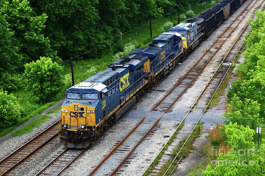 Csx Diesels At Brunswick Maryland