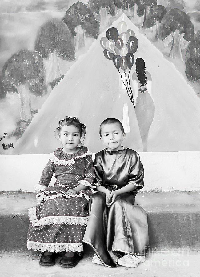 Siblings Photograph - Cuenca Kids 896 by Al Bourassa