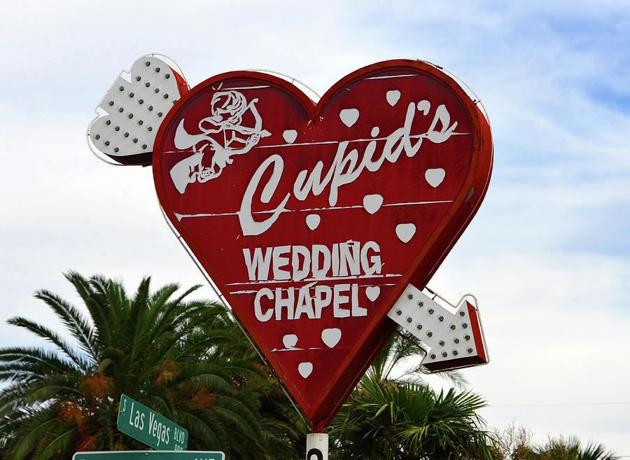 Cupid S Wedding Chapel Sign Las Vegas