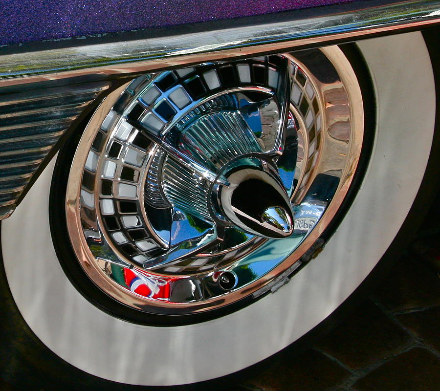 Classic Car Photograph - Custom Roulette by Gwyn Newcombe