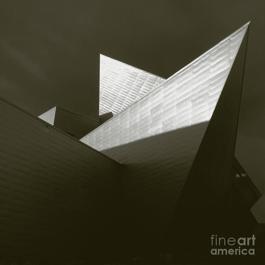 DAM by Frank Merrem