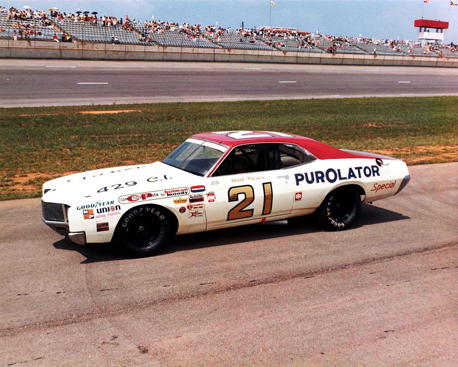 an overview of nascar in the 1960s The alabama gang was the nickname for a group of nascar drivers who set up shop and operated out of hueytown, alabama, near birmingham, alabama in the early 1960s, young auto racer bobby allison left miami, florida, looking for an area that had more opportunities to race.