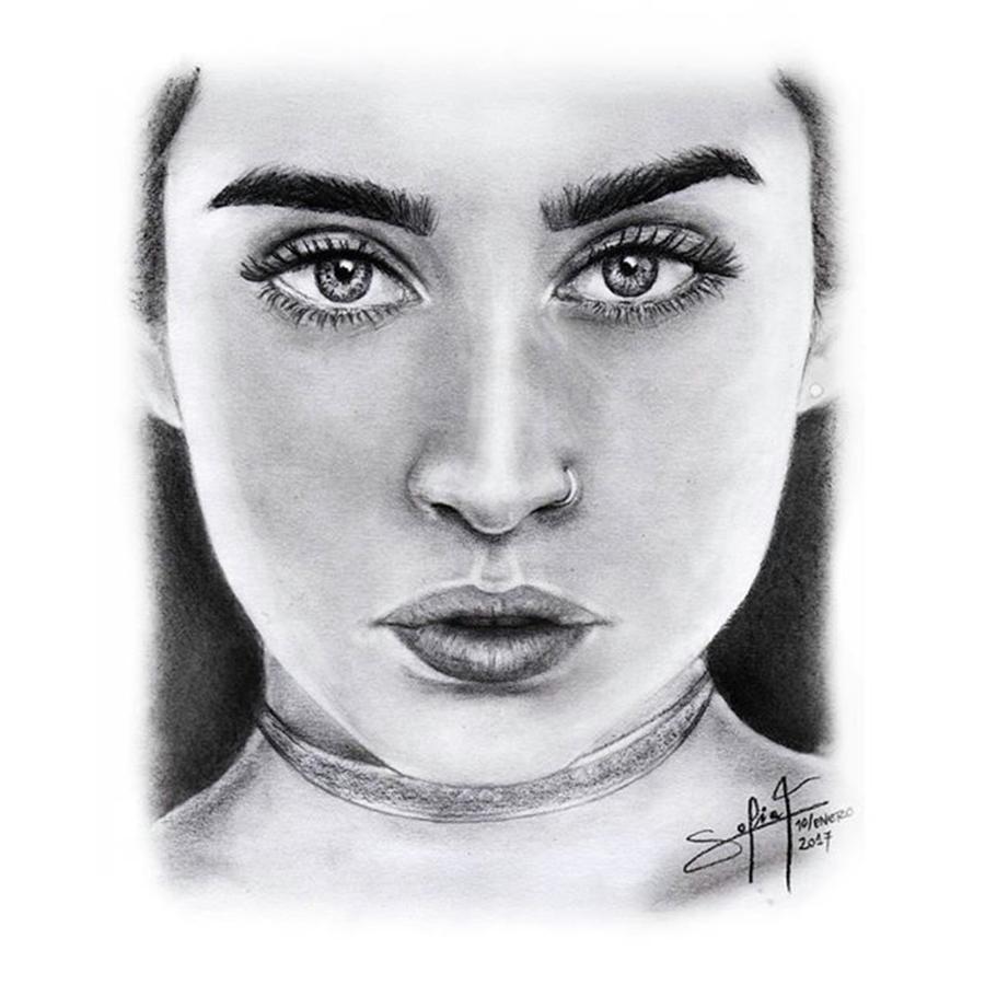 Minimalist Drawing - Lauren Jauregui Drawing By Sofia Furniel  by Jul V
