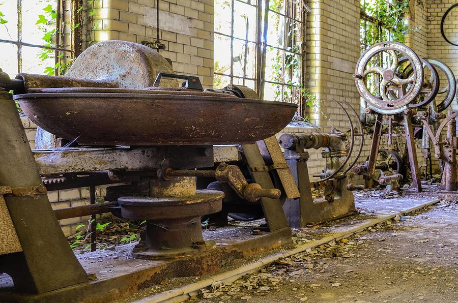 Sanatorium Photograph - Dirty Laundry by Marie Schleich