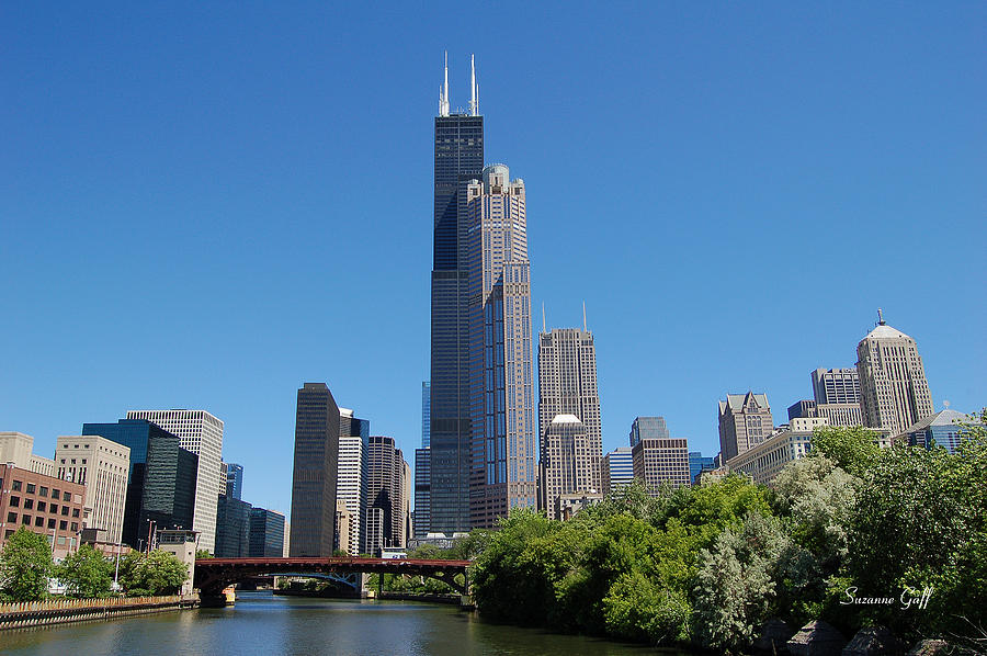 Downtown Photograph - Downtown Chicago Skyline - View Along The River by Suzanne Gaff