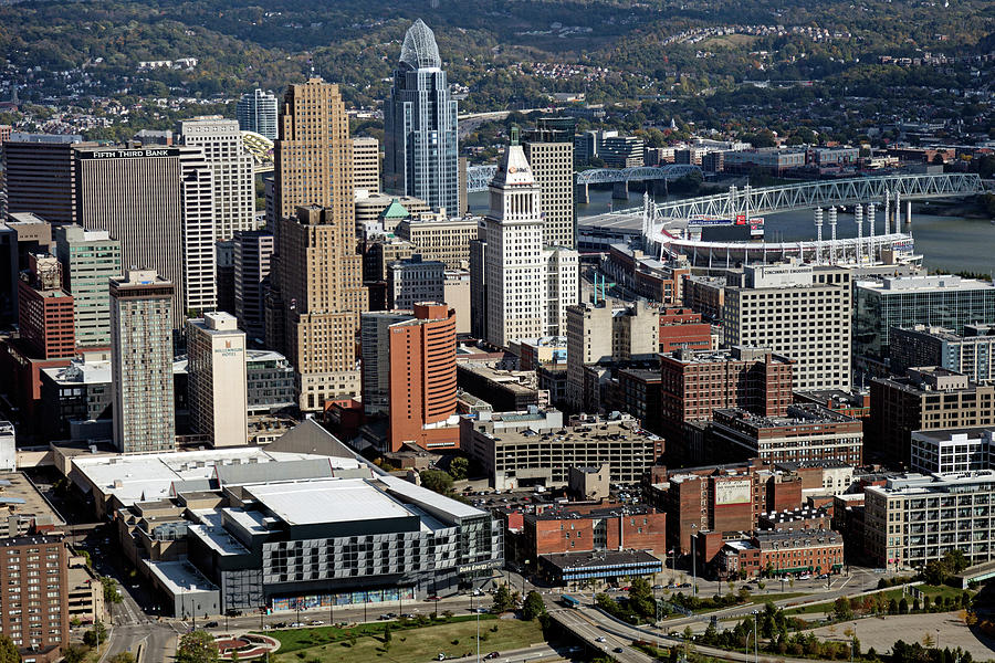 Cincinnati Photograph - Downtown Cincinnati by Mountain Dreams