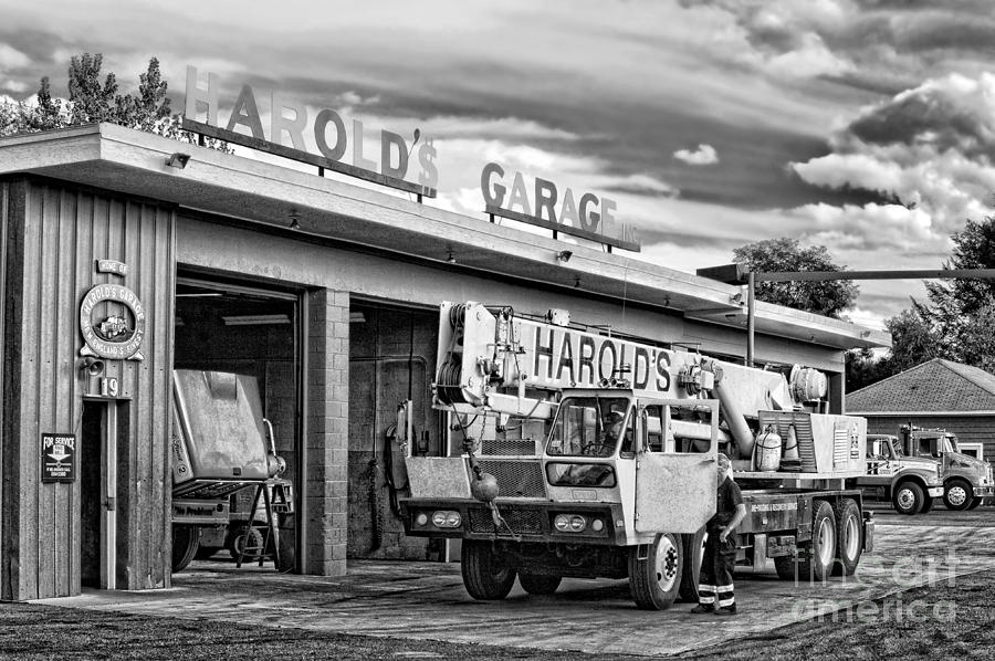 Northampton Photograph - Downtown Northampton - Harolds Garage by HD Connelly