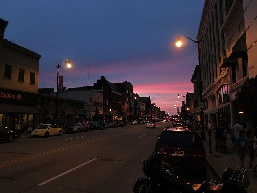 Racine Photograph - Downtown Racine At Dusk by Mark Czerniec