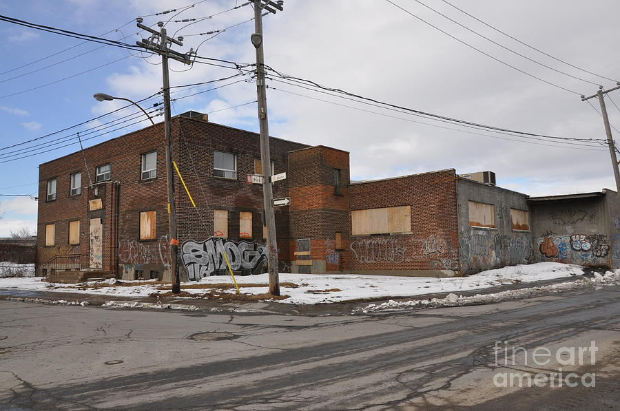 Abandoned Buildings Photograph - Dunn And Pitt Street Urban Exploration by Reb Frost