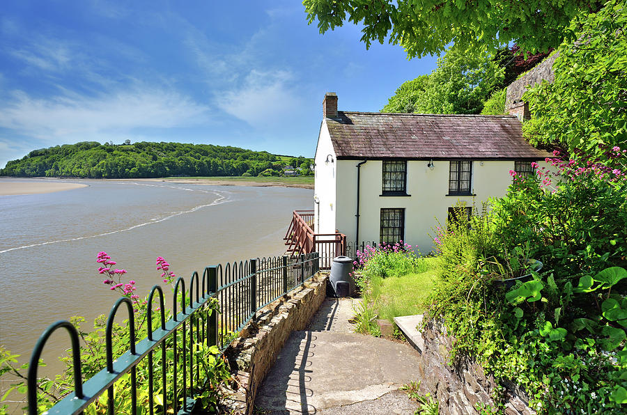 Dylan Thomas Photograph - Dylan Thomas Boathouse 4 by Phil Fitzsimmons