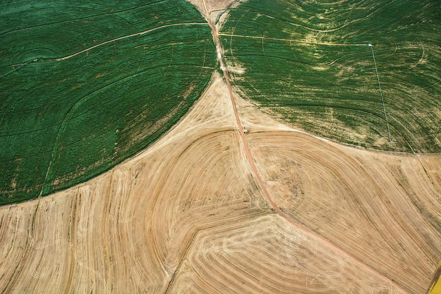 Landscape Photograph - Earths face by Simon Sephton