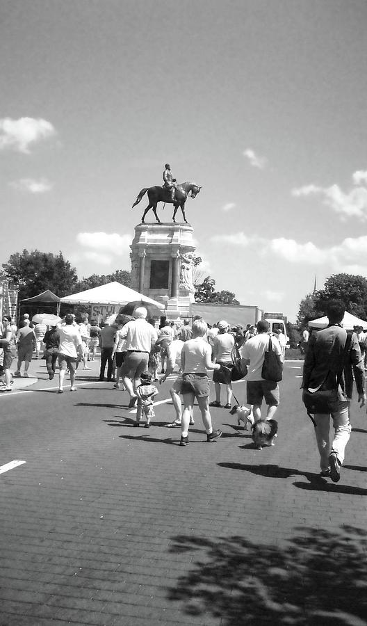 Richmond Photograph - Easter On Monument Ave by Karen C