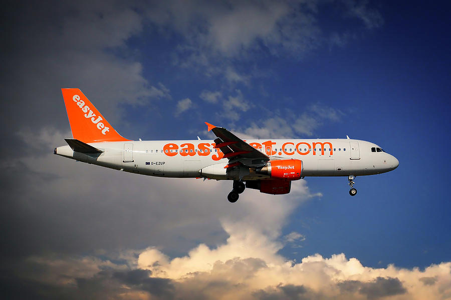 Easyjet Photograph - Easyjet Airbus A320-214 by Smart Aviation