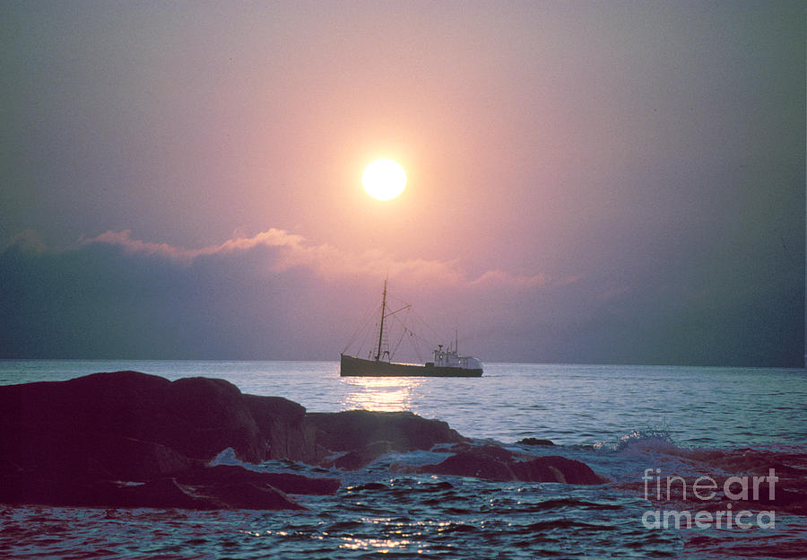 Seascape Photograph - Eastern Rig by Jim Beckwith