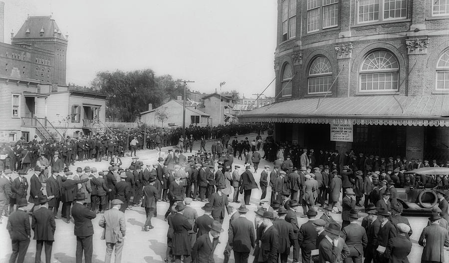 Old Photographs Photograph - Ebbets Field Crowd 1920 by Library Of Congress