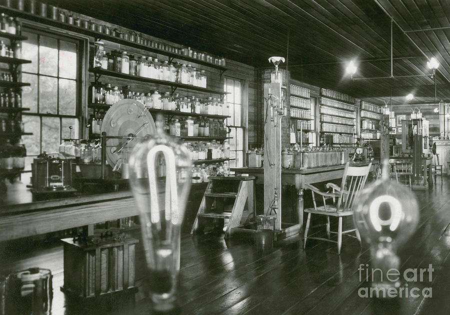 History Photograph - Edisons Menlo Park Lab by Science Source