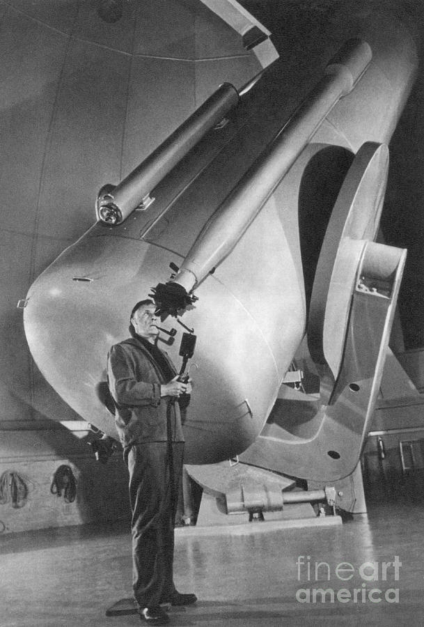 Edwin Hubble And Telescope Palomar Photograph by Science ...