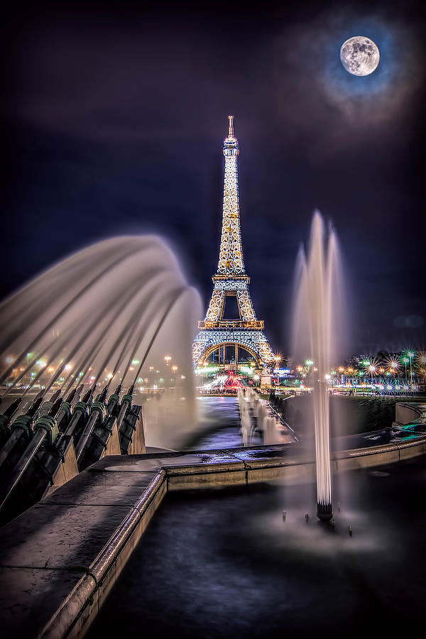 Eiffel and the Fountain by Kevin McClish