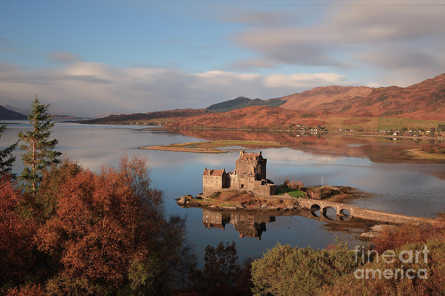 Eilean Donan Castle in Autumn - Long exposure by Maria Gaellman