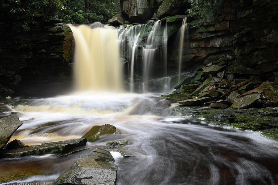 Ekalaka falls WV by Dung Ma