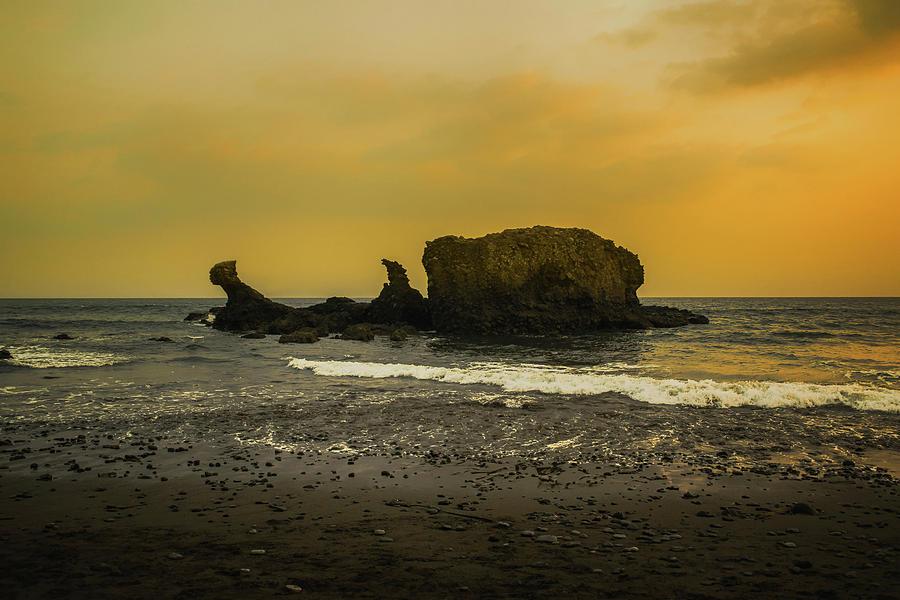 Playa El Tunco Photograph - El Tunco, La Libertad, El Salvador by Totto Ponce