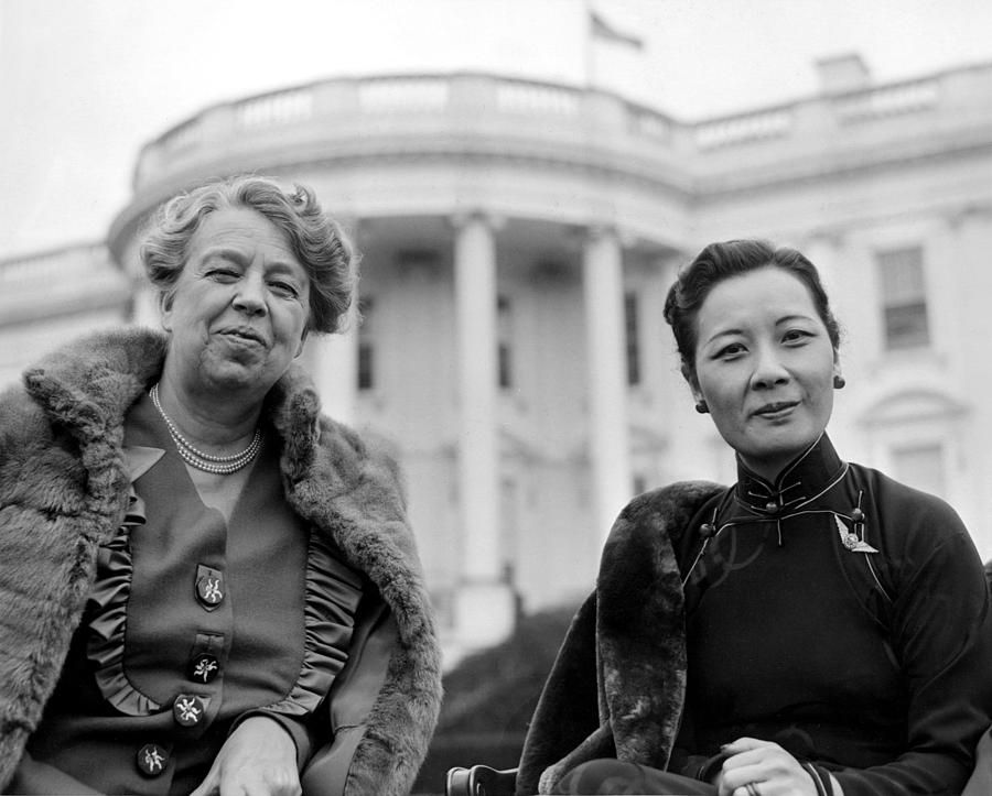 Asian Fashion Photograph - Eleanor Roosevelt And Madame Chiang by Everett