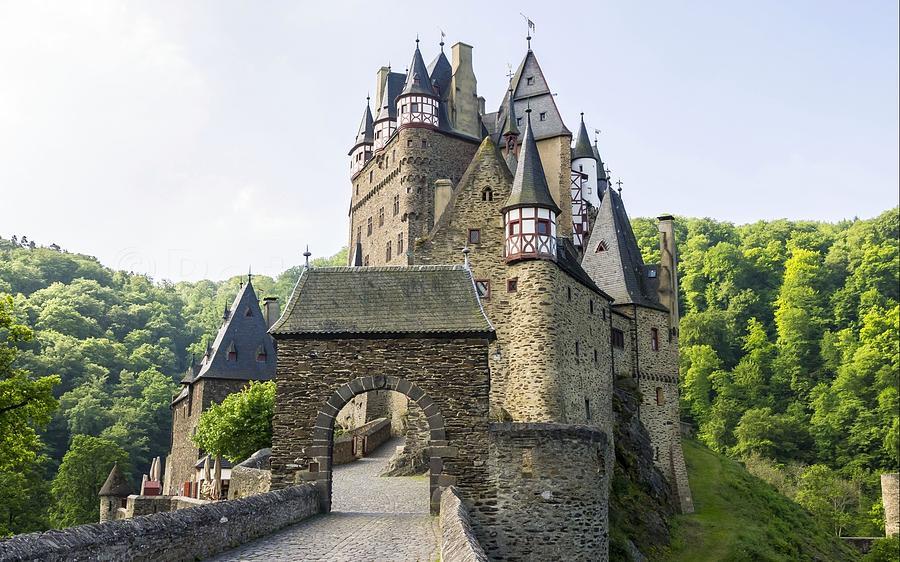 Eltz Castle Digital Art - Eltz Castle by Dorothy Binder