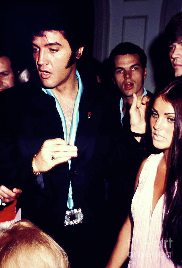 1969 Photograph - Elvis Presley Candid With Priscilla Presley Fine Art Print by Phil Roach