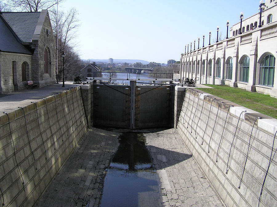 Canal Photograph - Empty Canal Lock by Richard Mitchell
