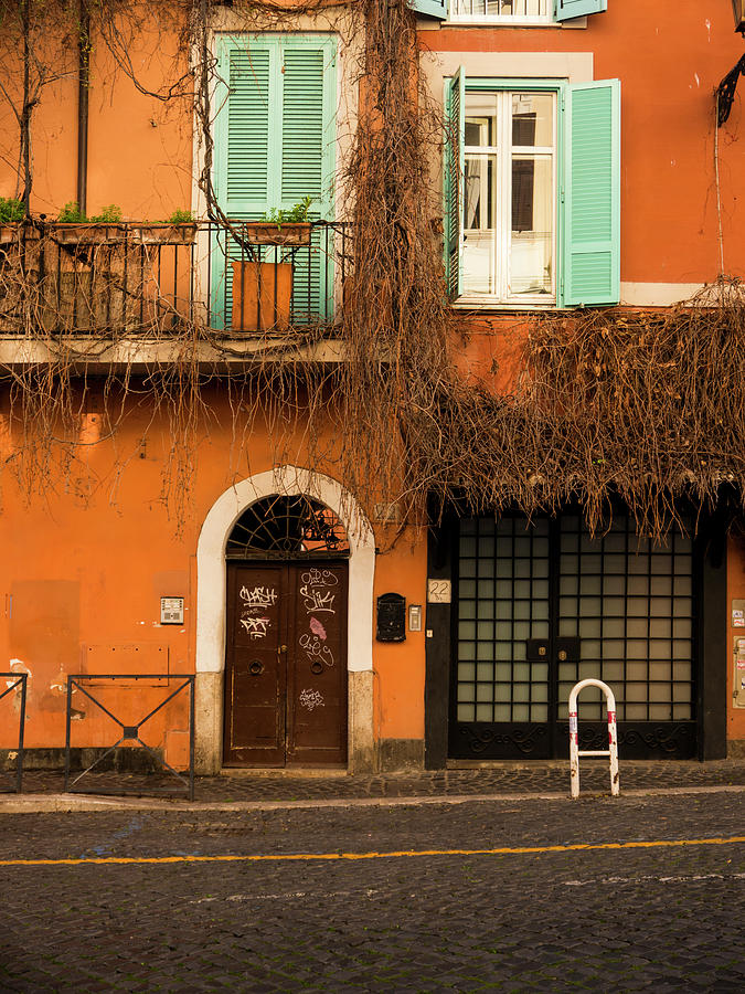 Rome Photograph - Entrance In Rome by Rae Tucker