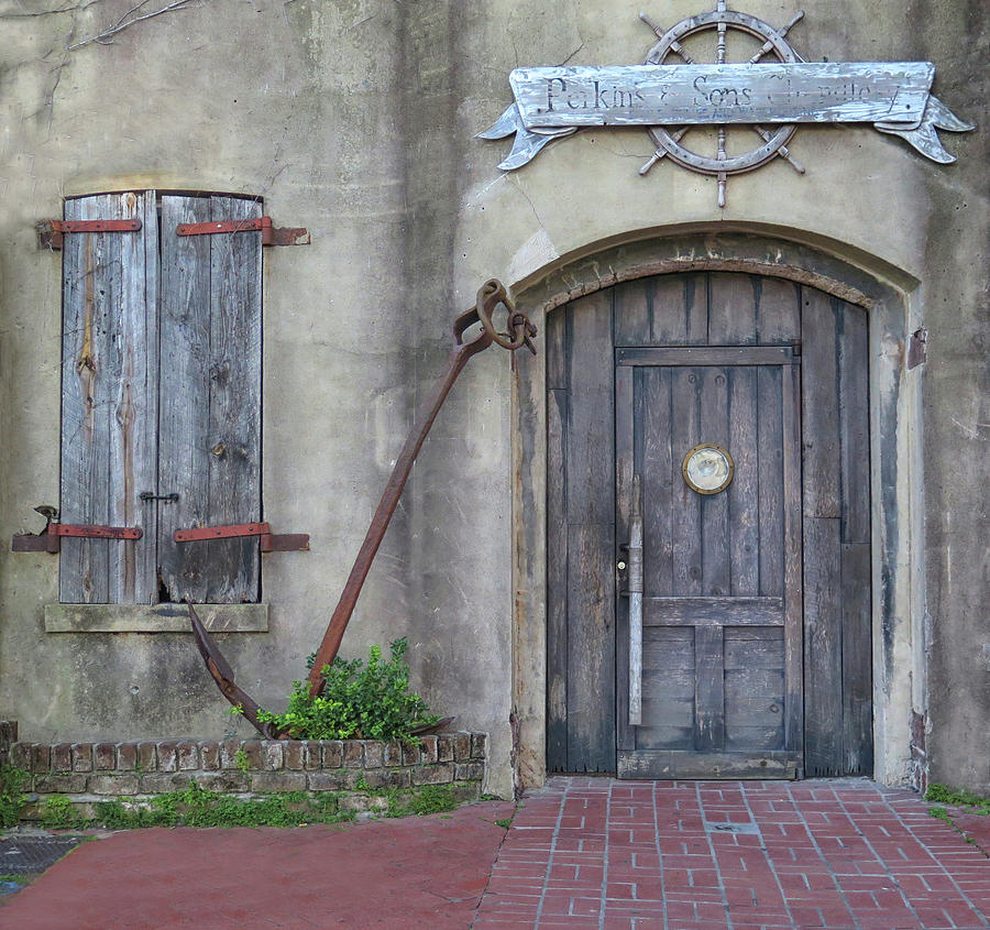 Savannah Photograph - Entrance To An Old Chandlery by Dave Mills