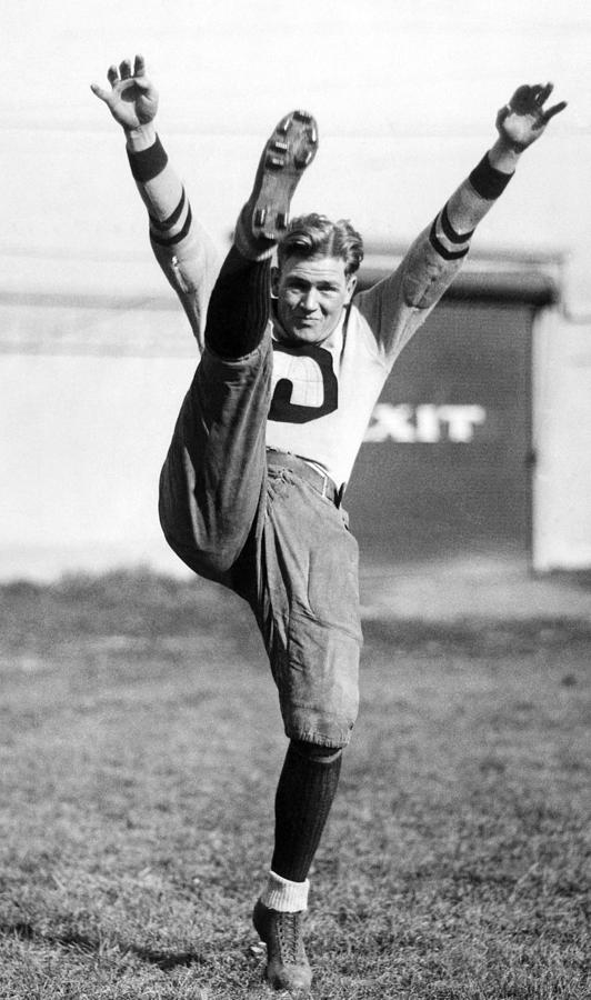 1920s Photograph - Ernie Nevers Playing On The Stanford by Everett
