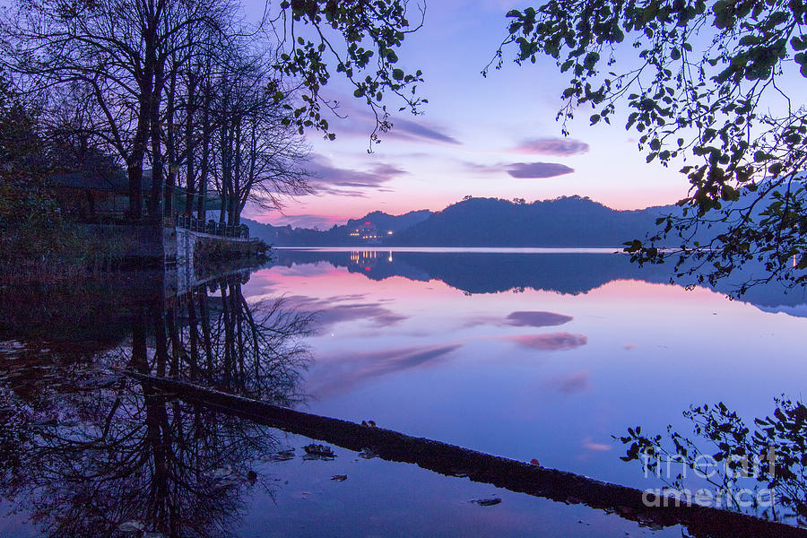 Evening by the lake by Fabrizio Malisan