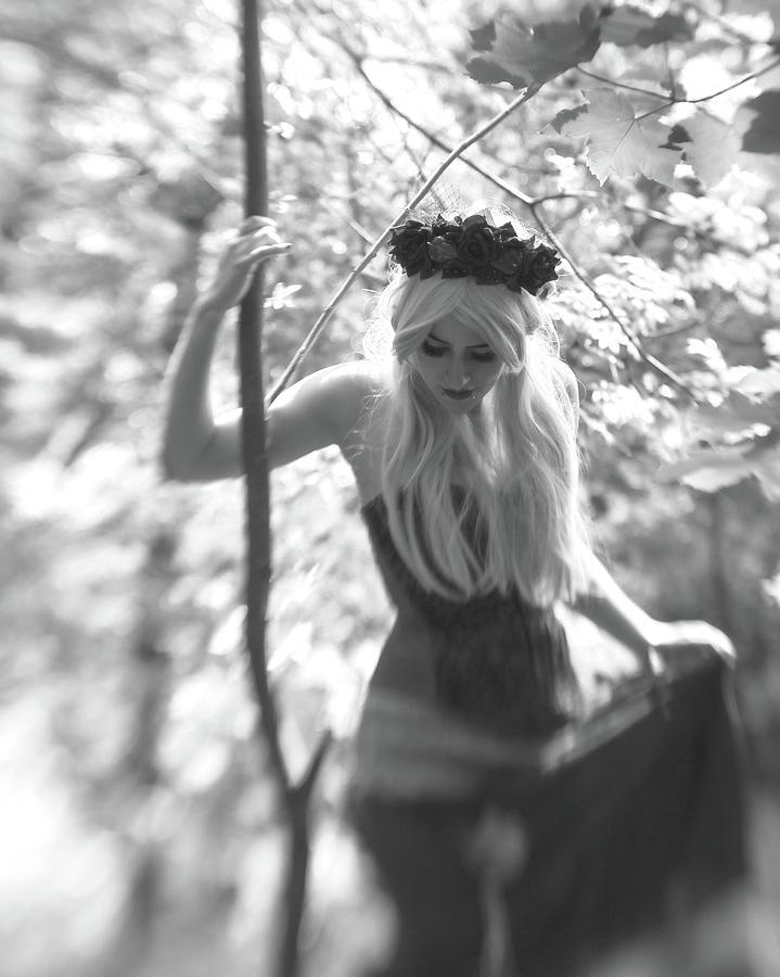 Fairy Queen by Ian Thompson