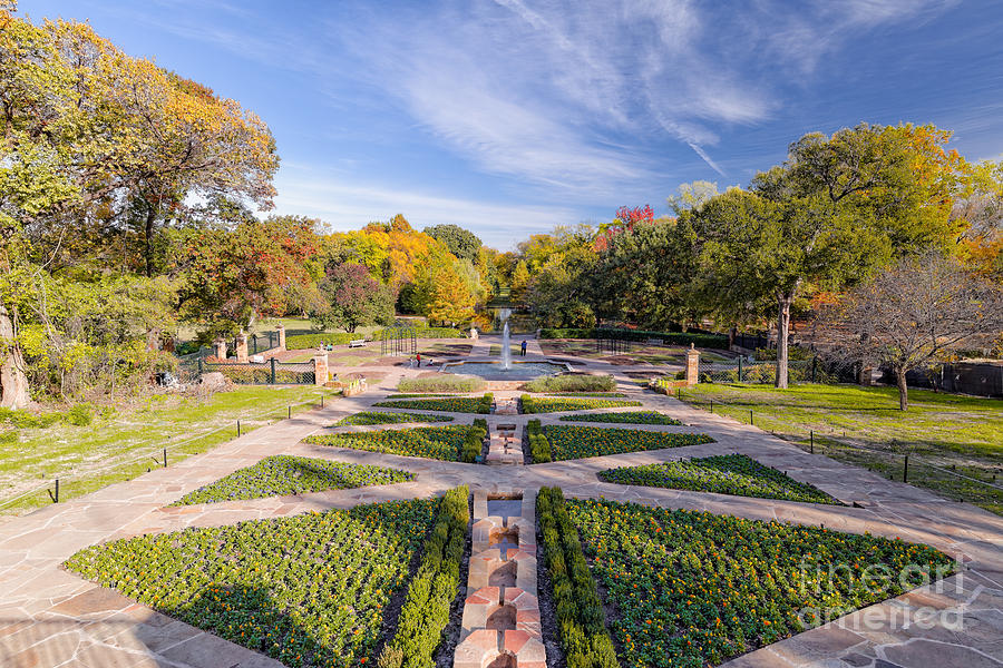 City Photograph   Fall Image Of The Fort Worth Botanical Garden   Oval Rose  Garden