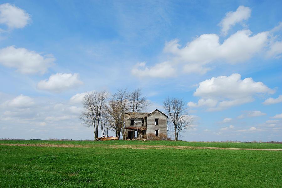 Illinois Photograph - Farmstead by Harold Clayberg