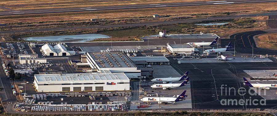 Fedex Photograph - Fedex Express Fedex Ship Center At Oakland International Airport by David Oppenheimer