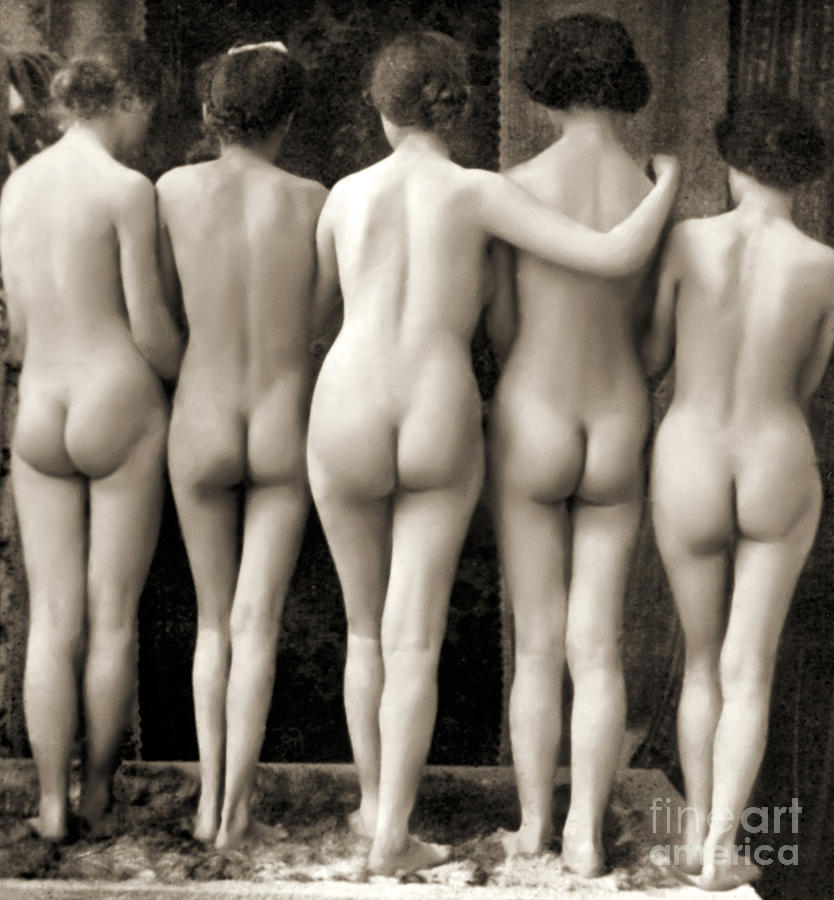 nudist nudes