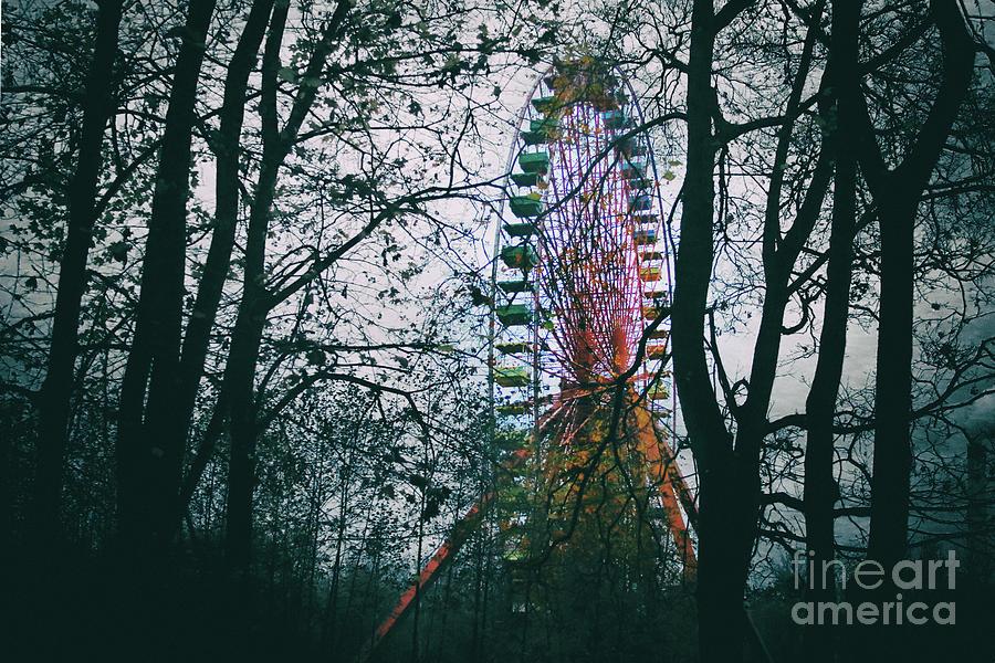 Ferris Wheel by Ana Mireles