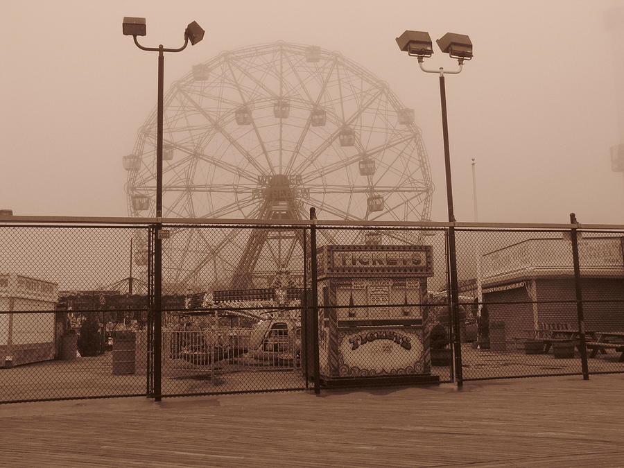 Ferris Wheel Photograph - Ferris Wheel by Peter Aiello