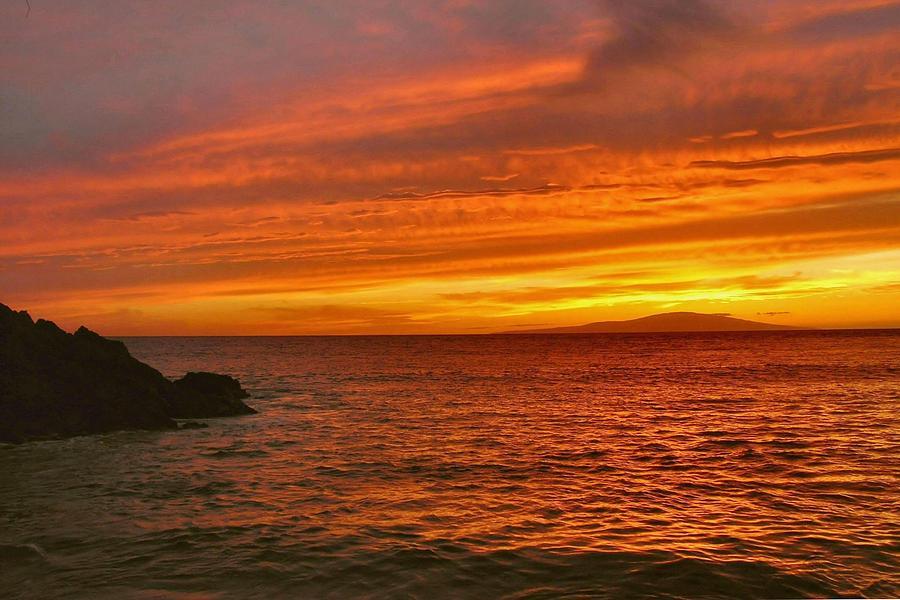 Hawaii Photograph - Fiery Makena Sunset by Stephen  Vecchiotti