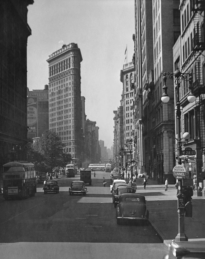 Vertical Photograph - Fifth Ave And The Flatiron Bldg by George Marks