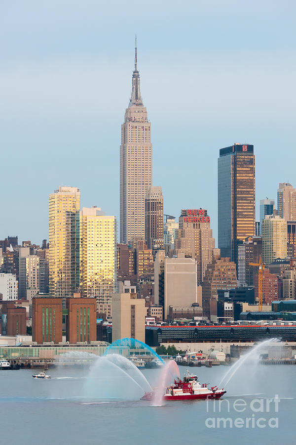 343 Photograph - Fire Boat And Manhattan Skyline IIi  by Clarence Holmes