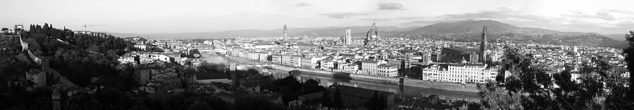 Black And White Photograph - Firenze by Alan Todd