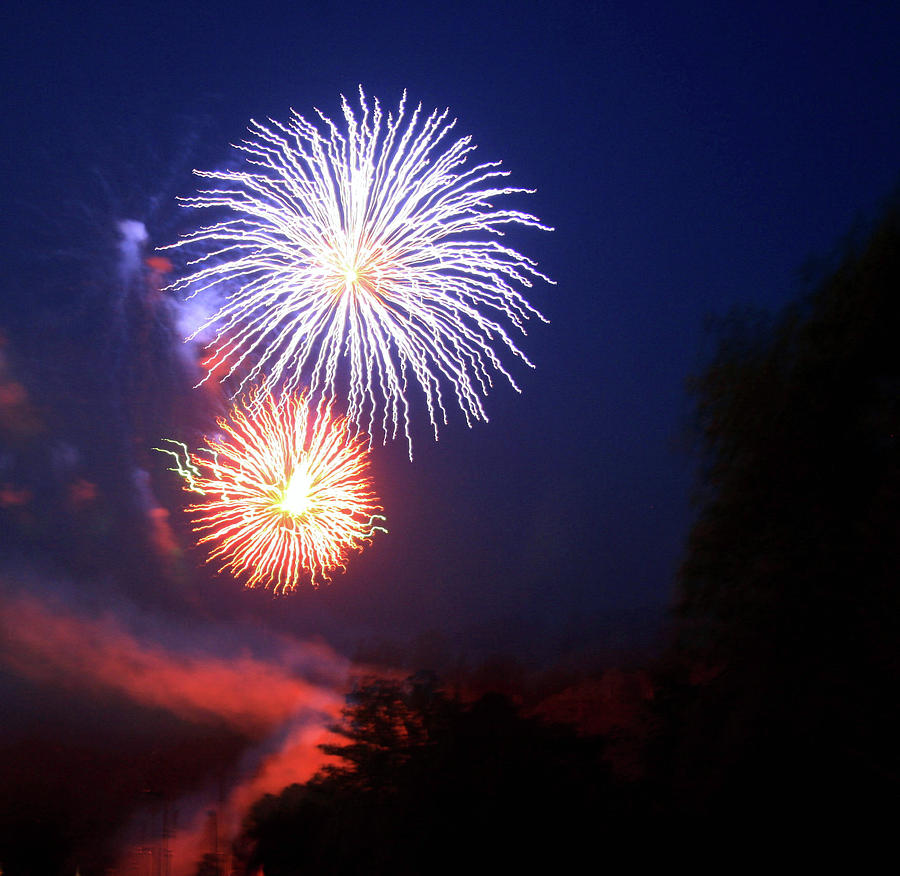 Fireworks 2 by Shirley Roberson