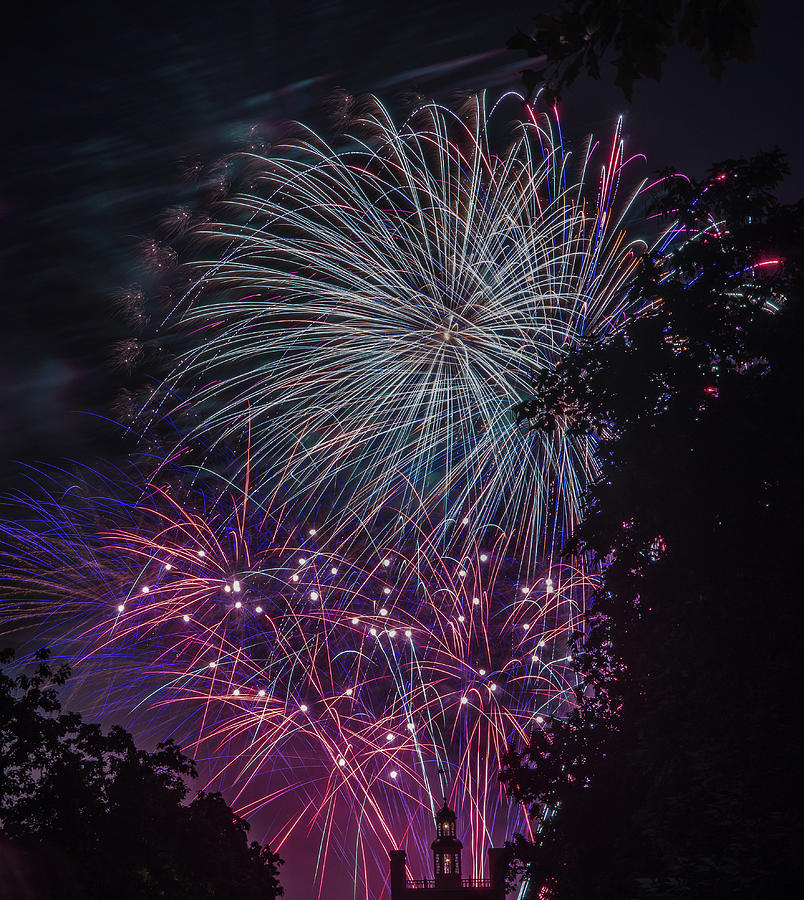 Fireworks 4 by Jerry Gammon