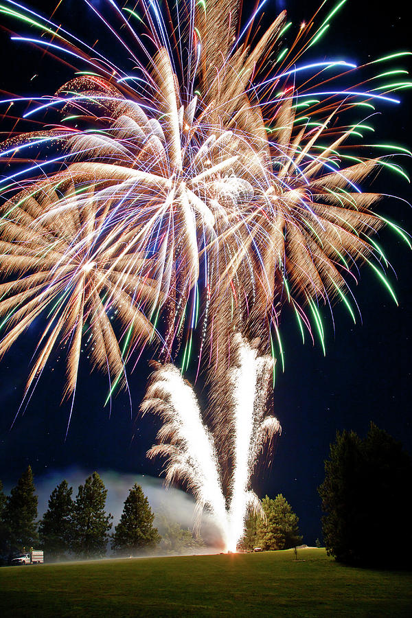 Fireworks Photograph - Fireworks No.4 by Niels Nielsen