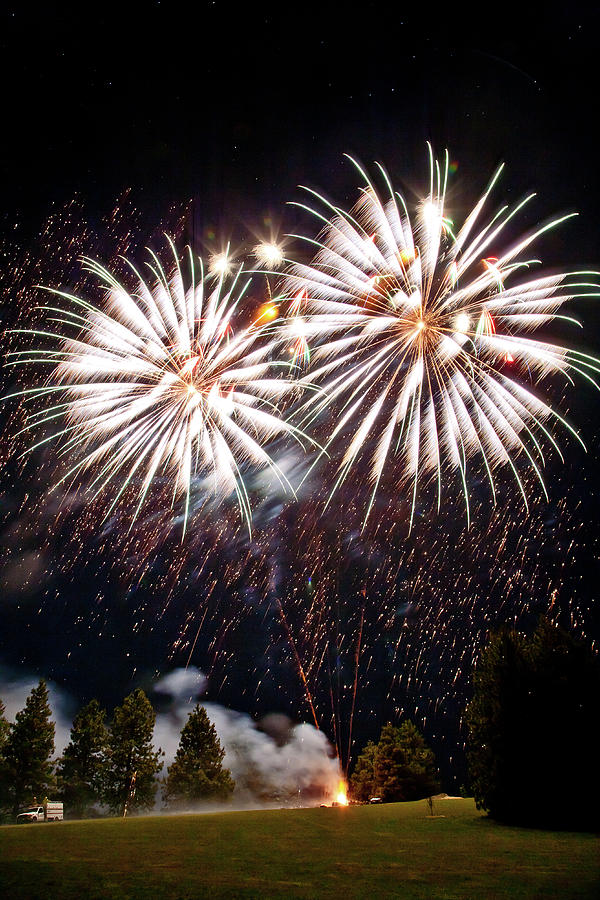 Fireworks Photograph - Fireworks No.5 by Niels Nielsen